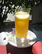 Fresh-squeezed orange juice in Como Italy